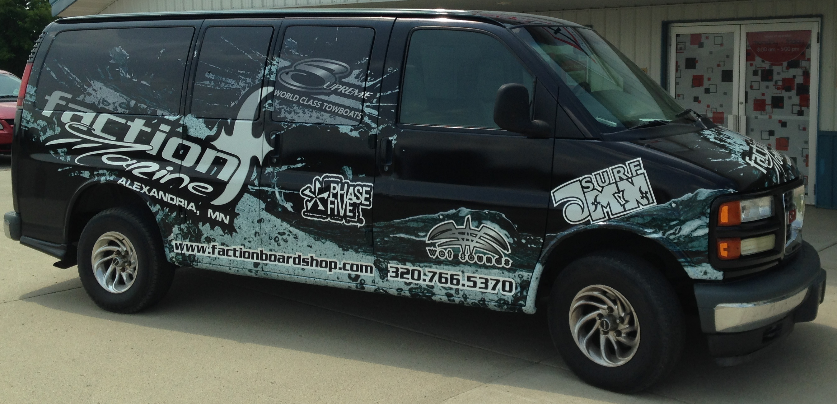 Custom Real Estate Vehicle Graphics from Signmax
