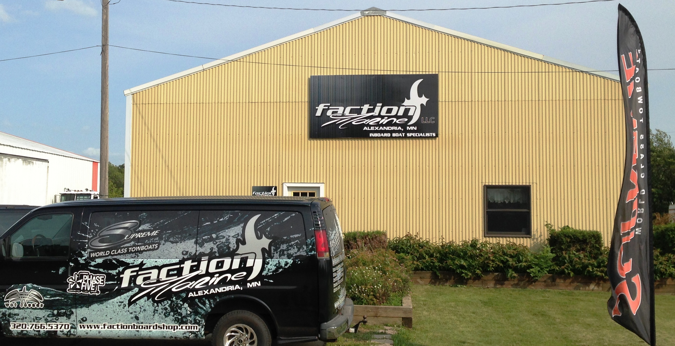 Custom Flat Signs, Flags, and Vehicle Wraps