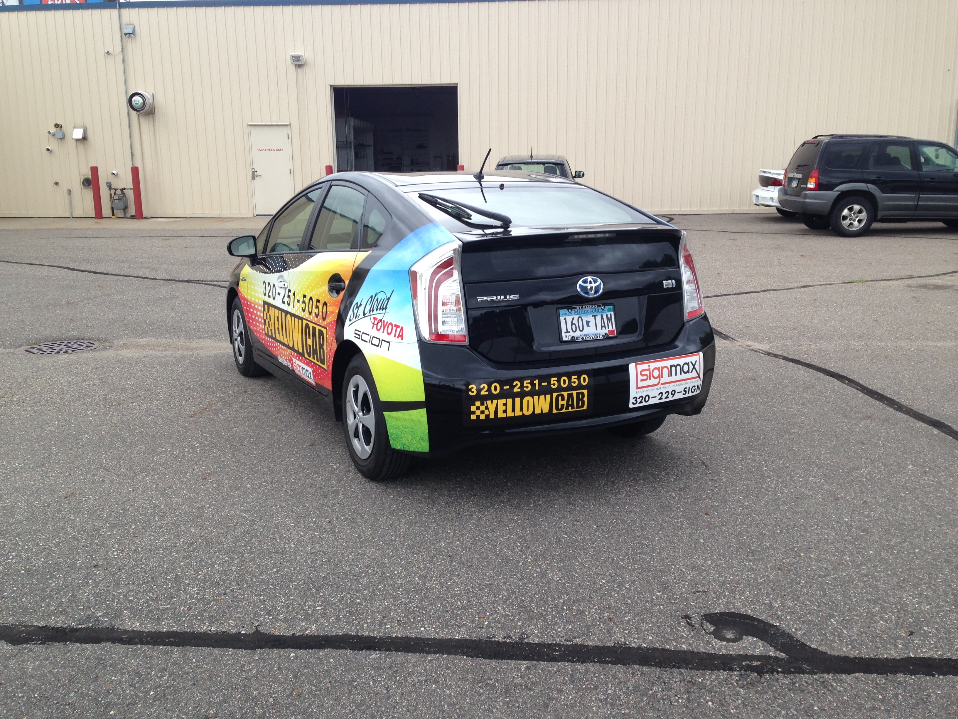 Custom Signs for Yellow Cab | Signmax.com