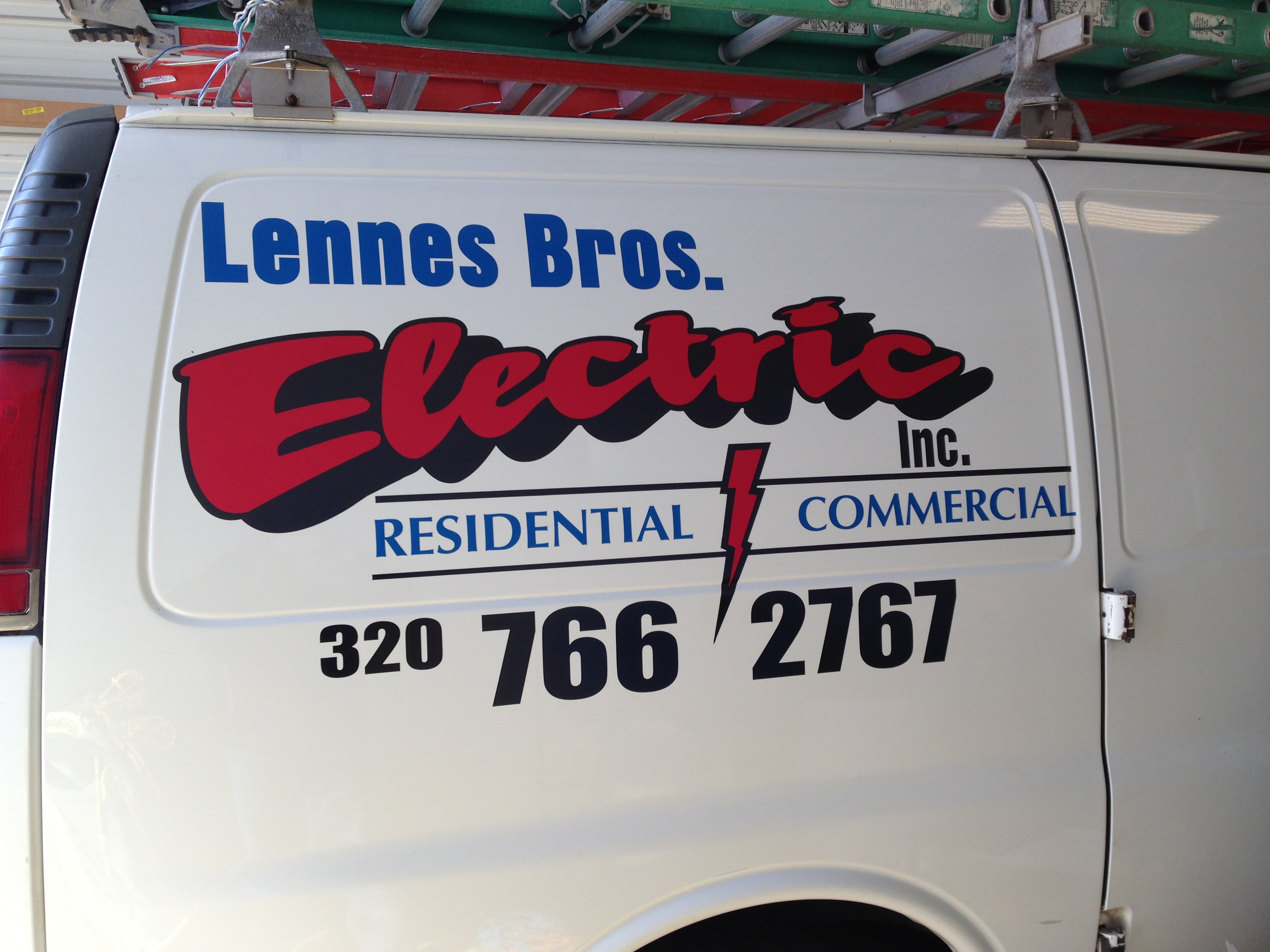 Custom Signs for Lennes Bros Electric | Signmax.com