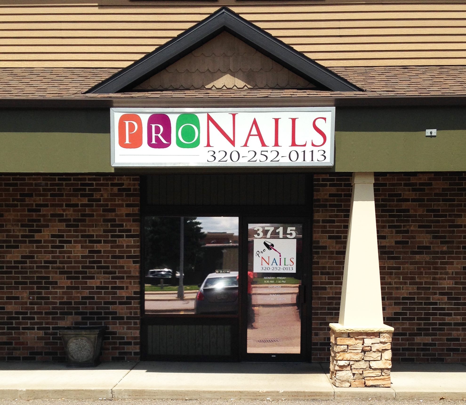 Custom Storefront Signs from Signmax