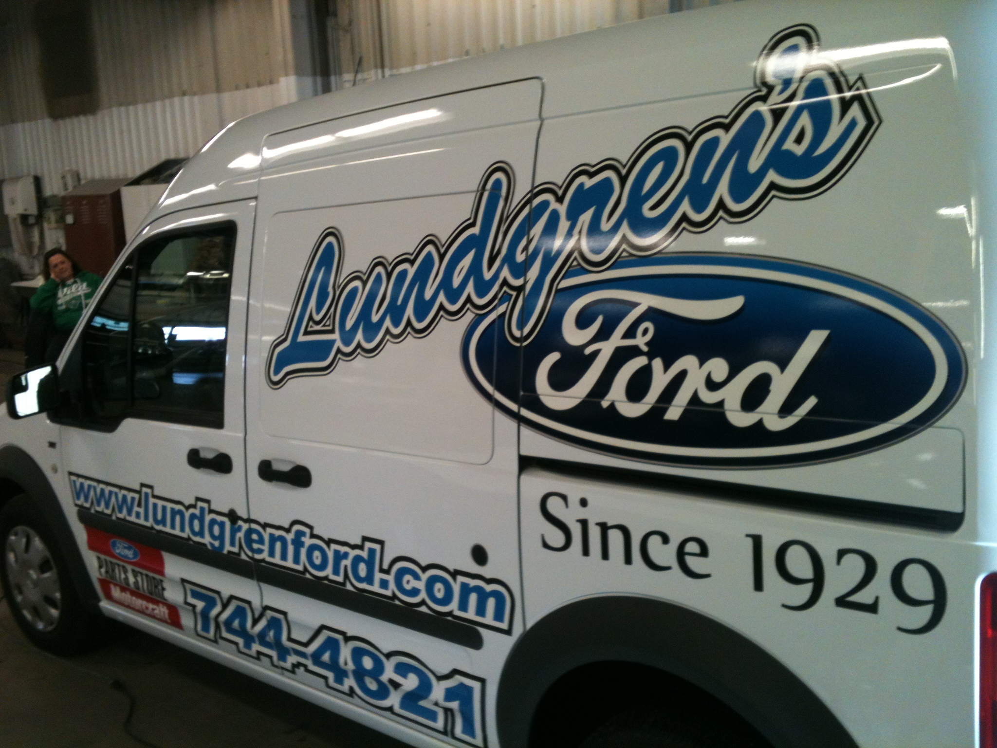 Custom vehicle lettering decals from Signmax